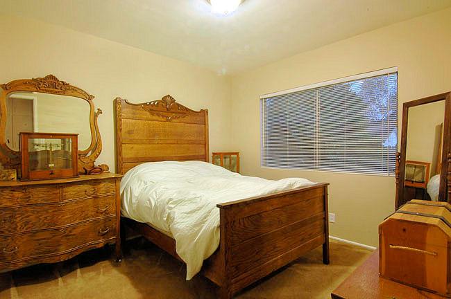 624_anita_bedroom2.jpg