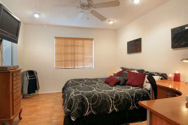 1814_8th_bedroom.jpg