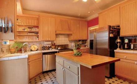 232_heliotrope_kitchen.jpg