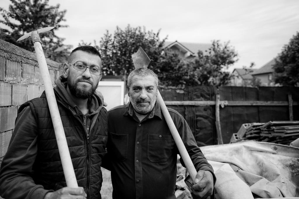 Lipjan, Kosovo. Maj 2019    Gravgrävarna i lipjan    visa berättelsen >>