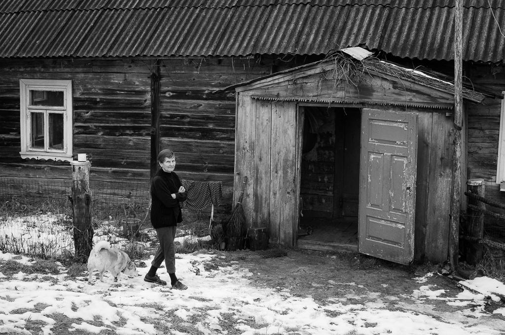 Kapiniskes, Litauen    Antosia och köksbordet    visa berättelse >>