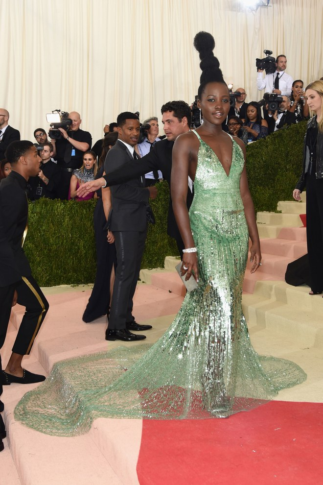 Lupita Nyong'o xManus x Machina: Fashion in an Age of Technology.