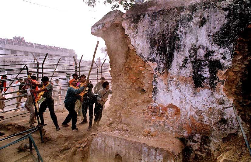 Radical Hindus destroy historic Babri Mosque: AFP (1992)