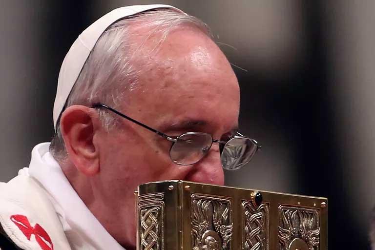 Pope Francis cherishes God's Word