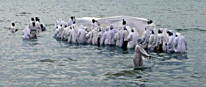 Baptismal ceremony in the Indian Ocean by African ALG Church