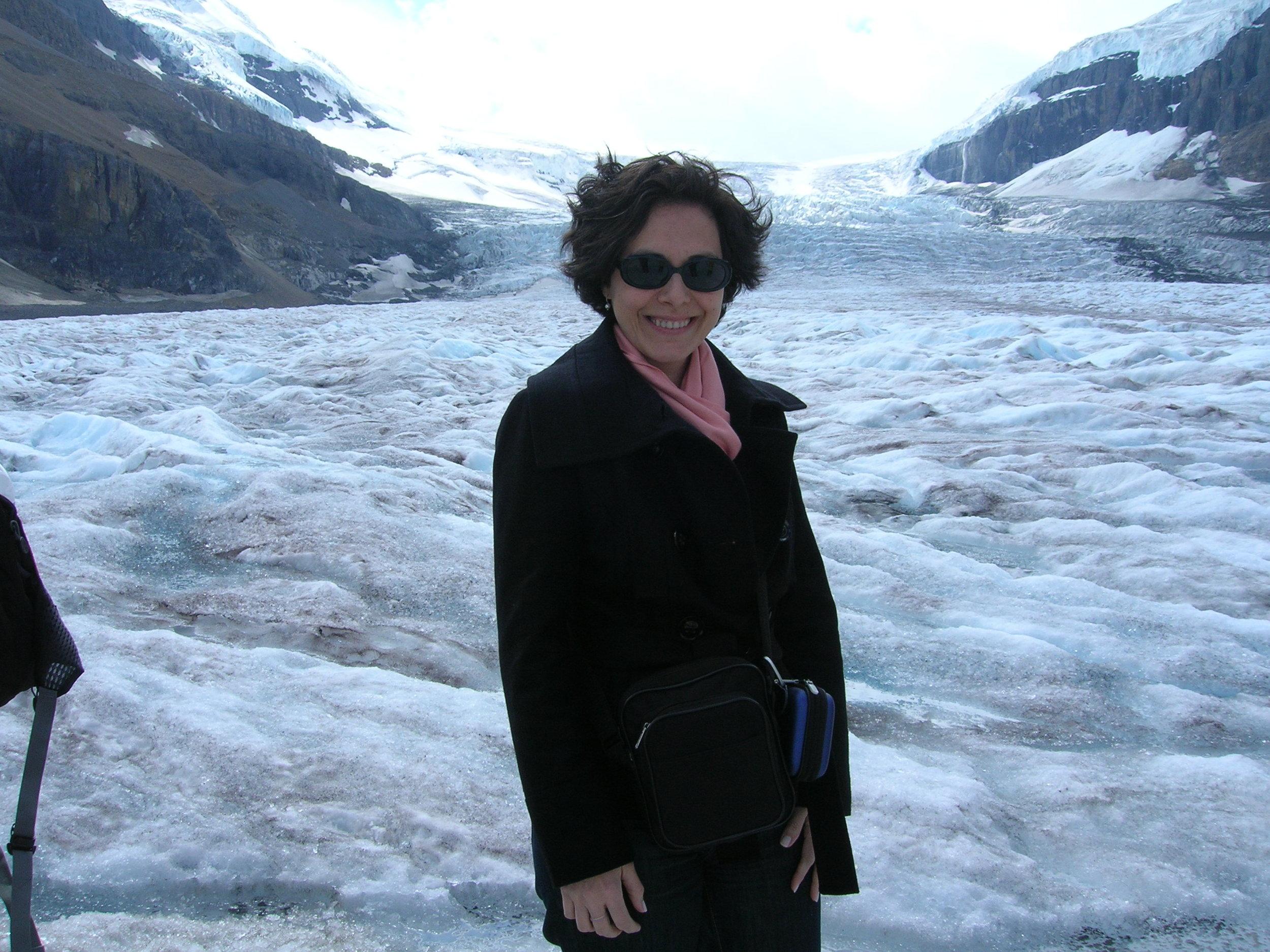 Foi uma viagem de muitos contrastes. Uma imagem Yin : das geleiras, no Parque Nacional de Jasper, nas Montanhas Rochosas, Canadá.