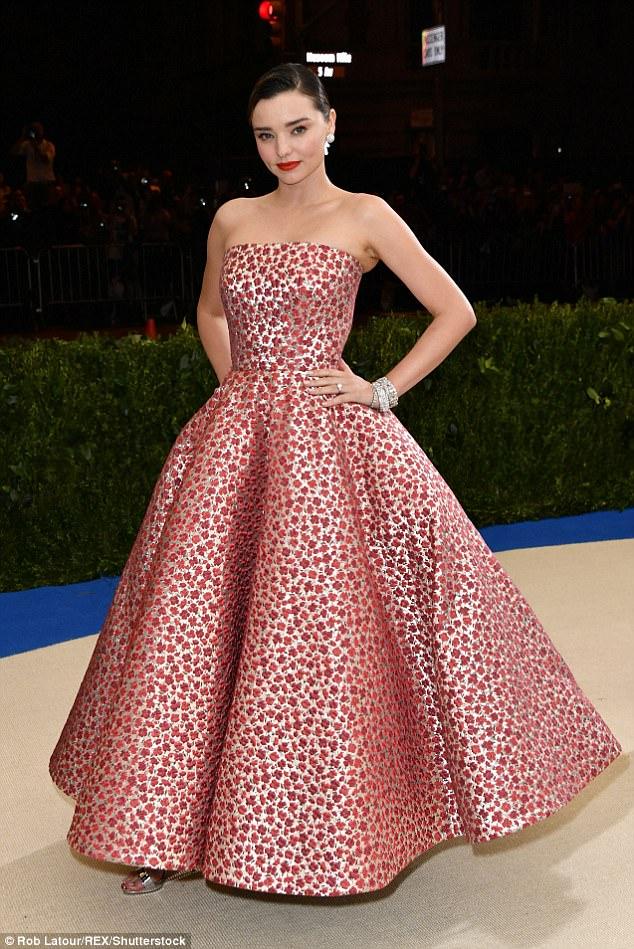 Miranda Kerr in Oscar de la Renta