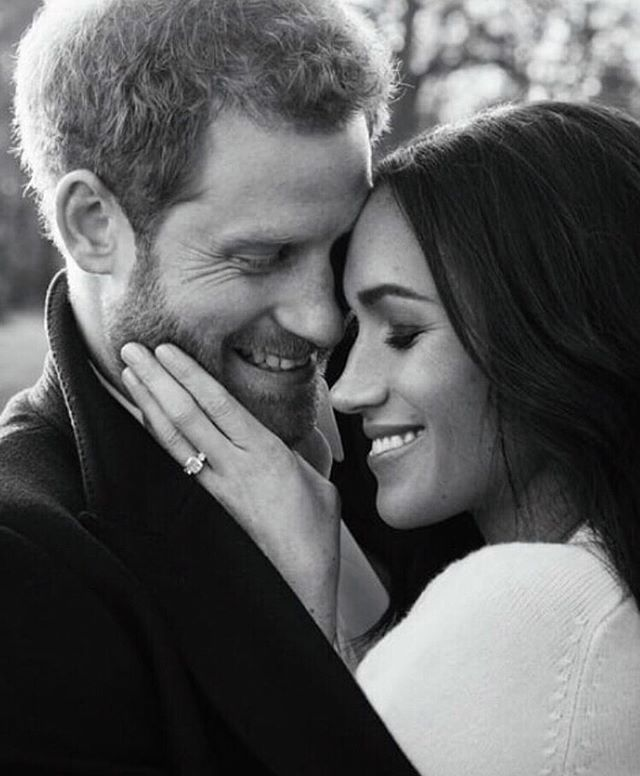 Almost time for the most anticipated #wedding event of the year: the #royalwedding 💍👰👑 are you ready or are you ready?! Raise your hand if you're waking up at 6:30 am to catch all the regal action? I'll be #roadtripping away for a much needed vacay but planning on #livestreaming the whole way there 😯 Enjoy it, beauties!