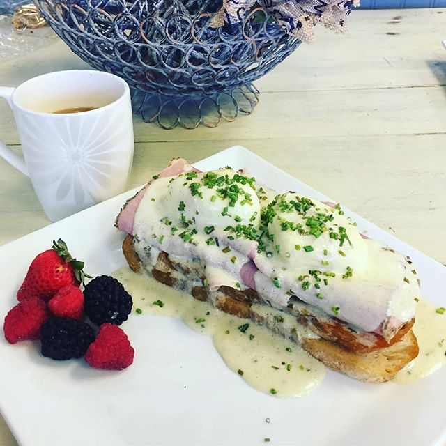 Cold rainy day ☔️ coffee and brunch sounds good to me!! #vcgourmet #instagood #inlandempire #easthighland #redlands #highlandca #iefoodie #inlandempireexplorer #forkreport #chefmode #ForTheChefs #chefsofinstagram #chefsoninstagram #LAchefs #lafoodies #cheflife #eaterla #latimesfood #zagat #EatMunchies #spoonfeed #foodbeast #thisisinsider #insiderfood #eatfamous #buzzfeast #visitcalifornia #mychefstable
