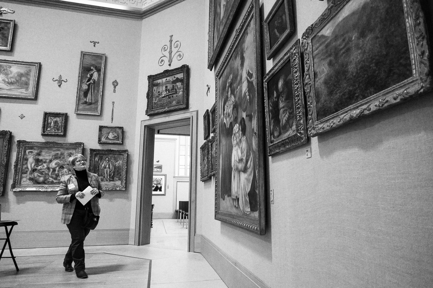 Dr. Susan Shifrin contemplates a work at The Barnes Foundation during an ARTZ event.