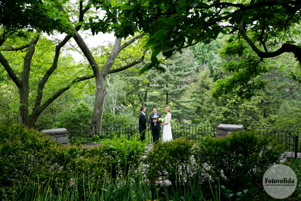 Shakespeare Garden wedding in Central Park