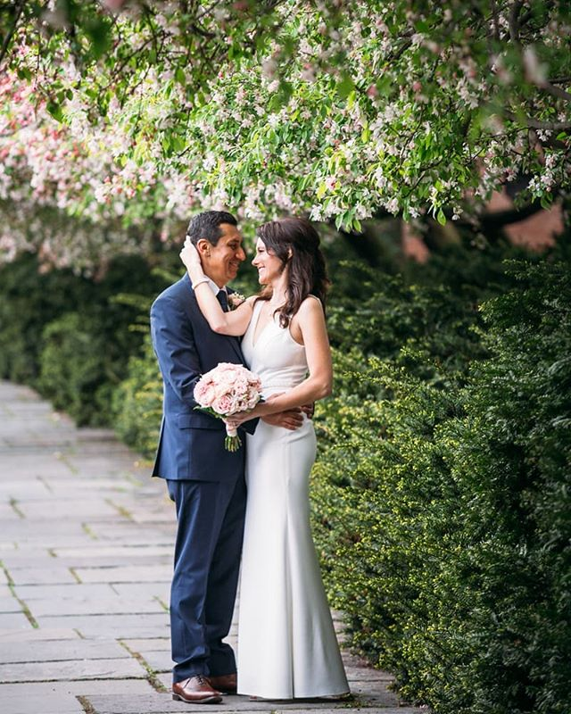 Another fav shot from one of my spring weddings at the conservatory gardens in @centralparknyc with @acentralparkwedding  It's a very small window of time that this row of trees is in bloom and this lucky couple got to take full advantage of the lovely scene 💐♥️ . . . . . #fotovolidaweddingphotography #centralparkwedding #centralpark #newyorkweddingphotographer #newyorkwedding #springwedding #cherryblossomwedding #centralparkweddingphotographer #pursuepretty #weddinginspo #weddongphotoinspo