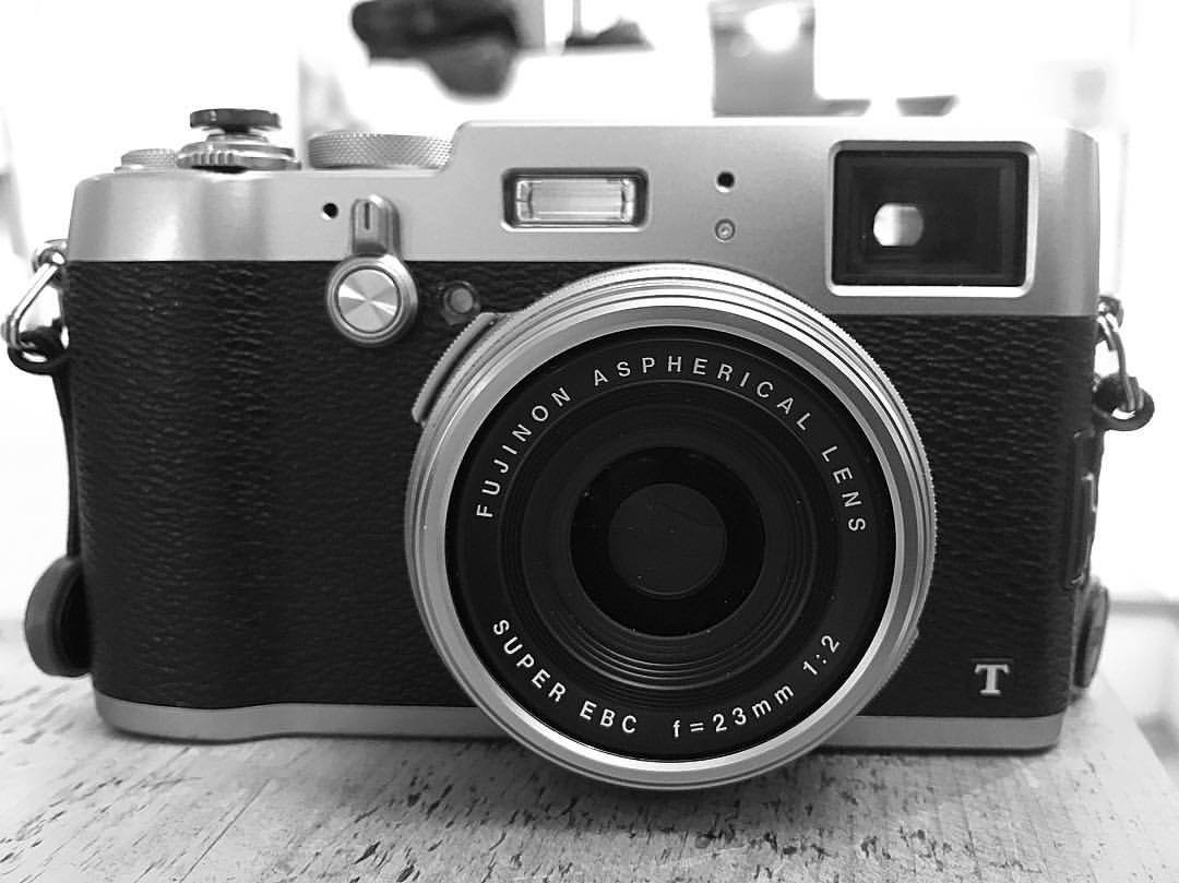 Fujifilm X100T - old on the outside, new on the inside...
