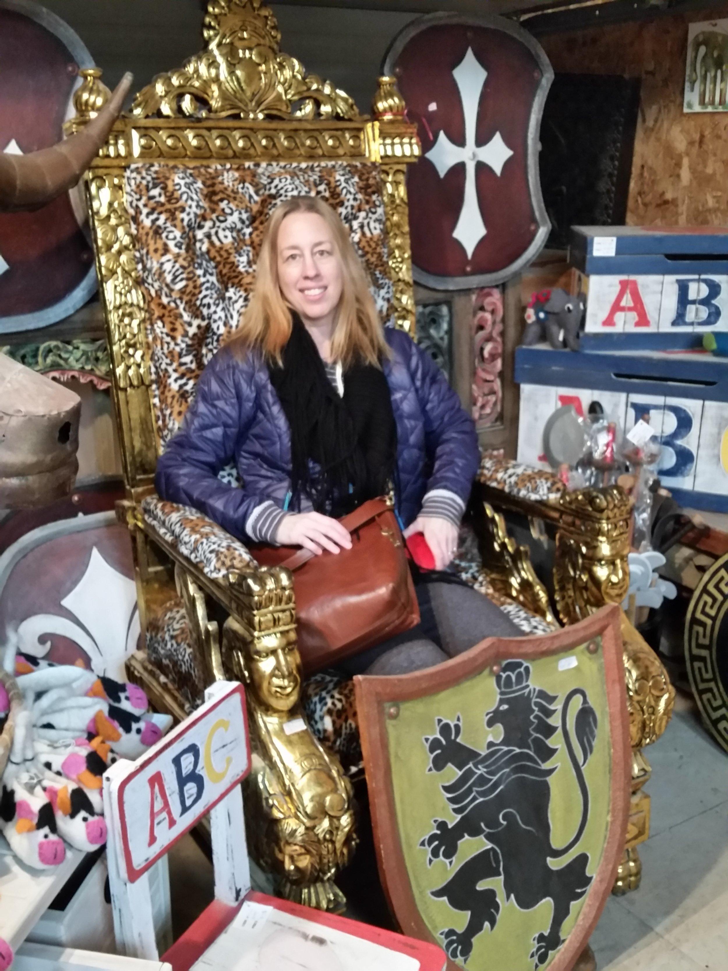 Sara on her leopard-print throne.