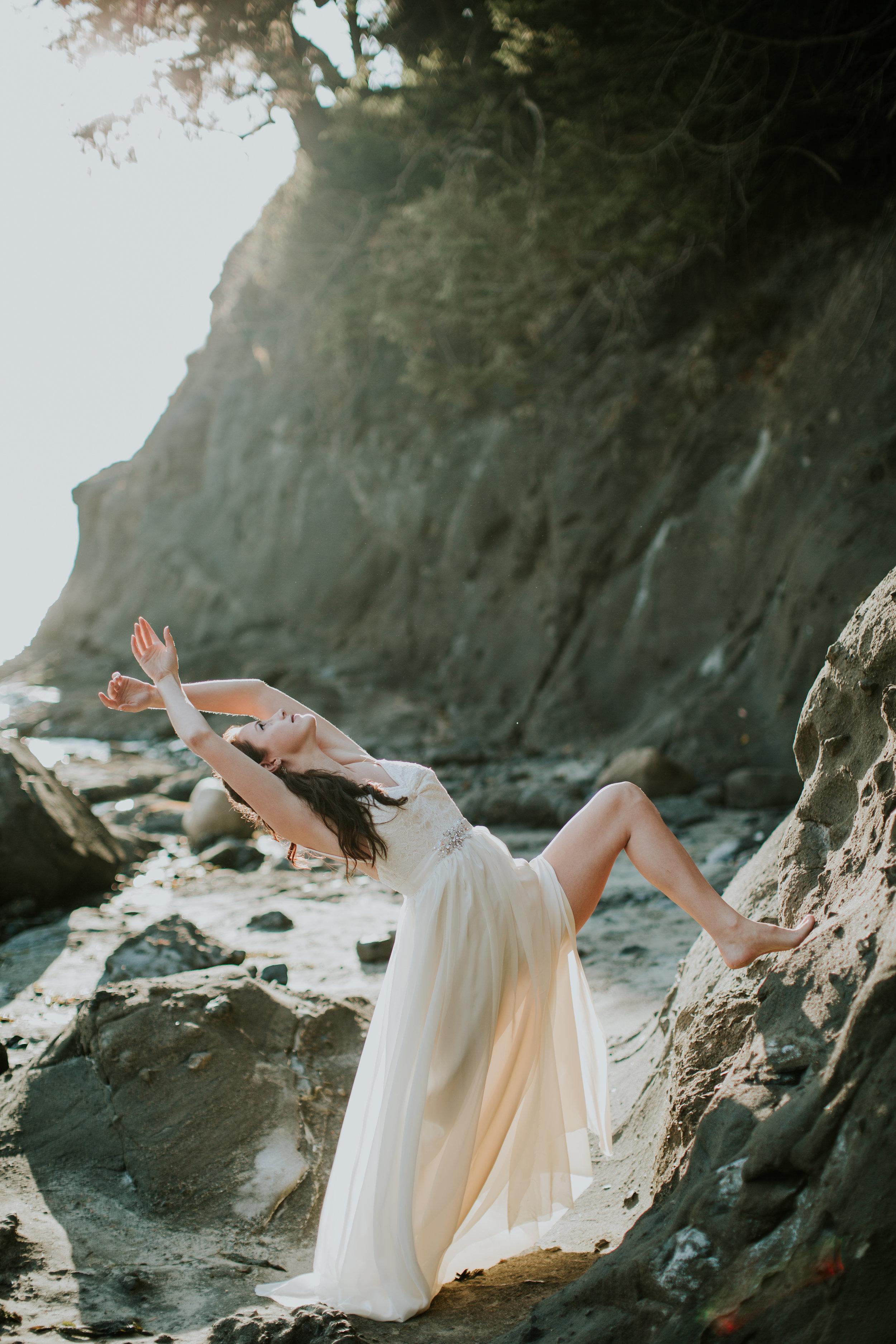 Port-Angeles-Salt-Creek-beach-wedding-bride-PNW-olympic-peninsula-photographer-Kayla-Dawn-Photography-outdoors-golden-hour-dancer-dress (7).jpg