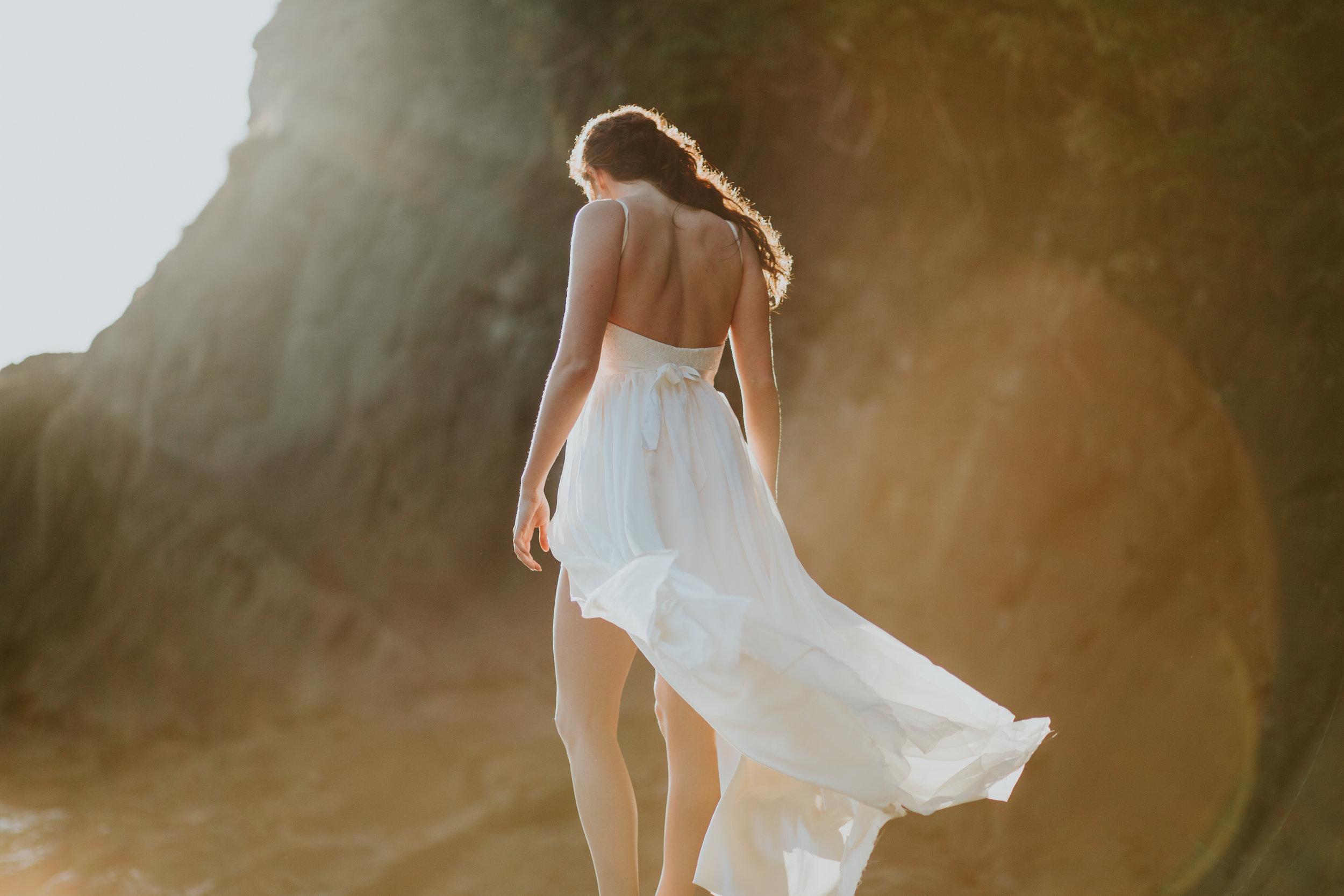 Port-Angeles-Salt-Creek-beach-wedding-bride-PNW-olympic-peninsula-photographer-Kayla-Dawn-Photography-outdoors-golden-hour-dancer-dress (33).jpg