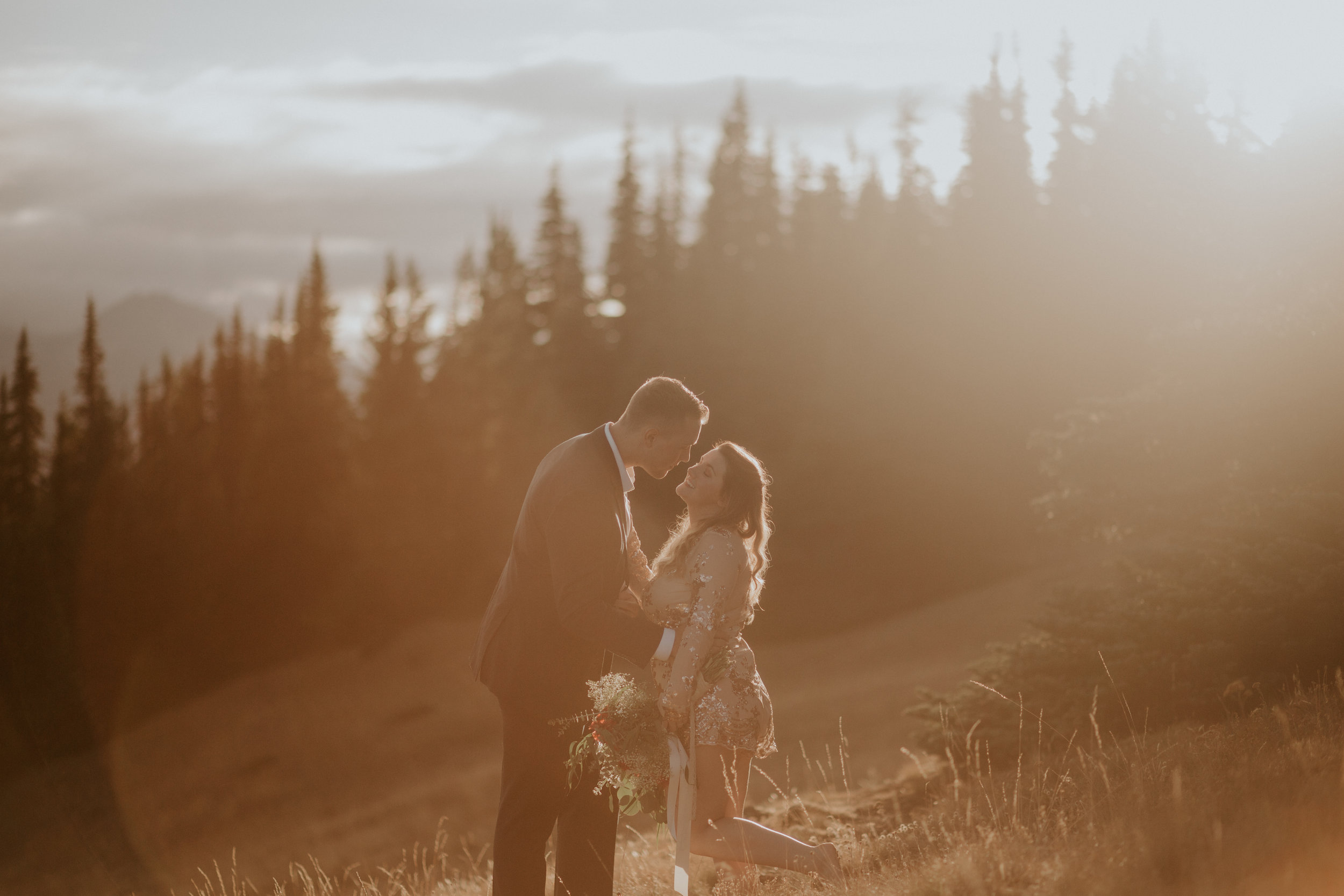PNW-Hurricane-Ridge-Port-Angeles-Washington-elopement-photographer-kayla-dawn-photography-kayladawnphoto-wedding-anniversary-photoshoot-olympic-peninsula-327.jpg