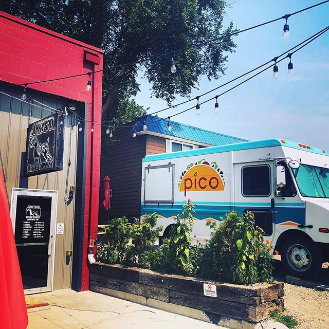 HERE COMES THE SUN ☀️ and DAY TWO of Pico opening week @junkyardbrewing ! Last night was amazing and we are looking forward to another great evening! Come on out from 4-9 and get your taco fix!! 😍🌮 #pico2019 #itsbeginningtolookalotlikesummer