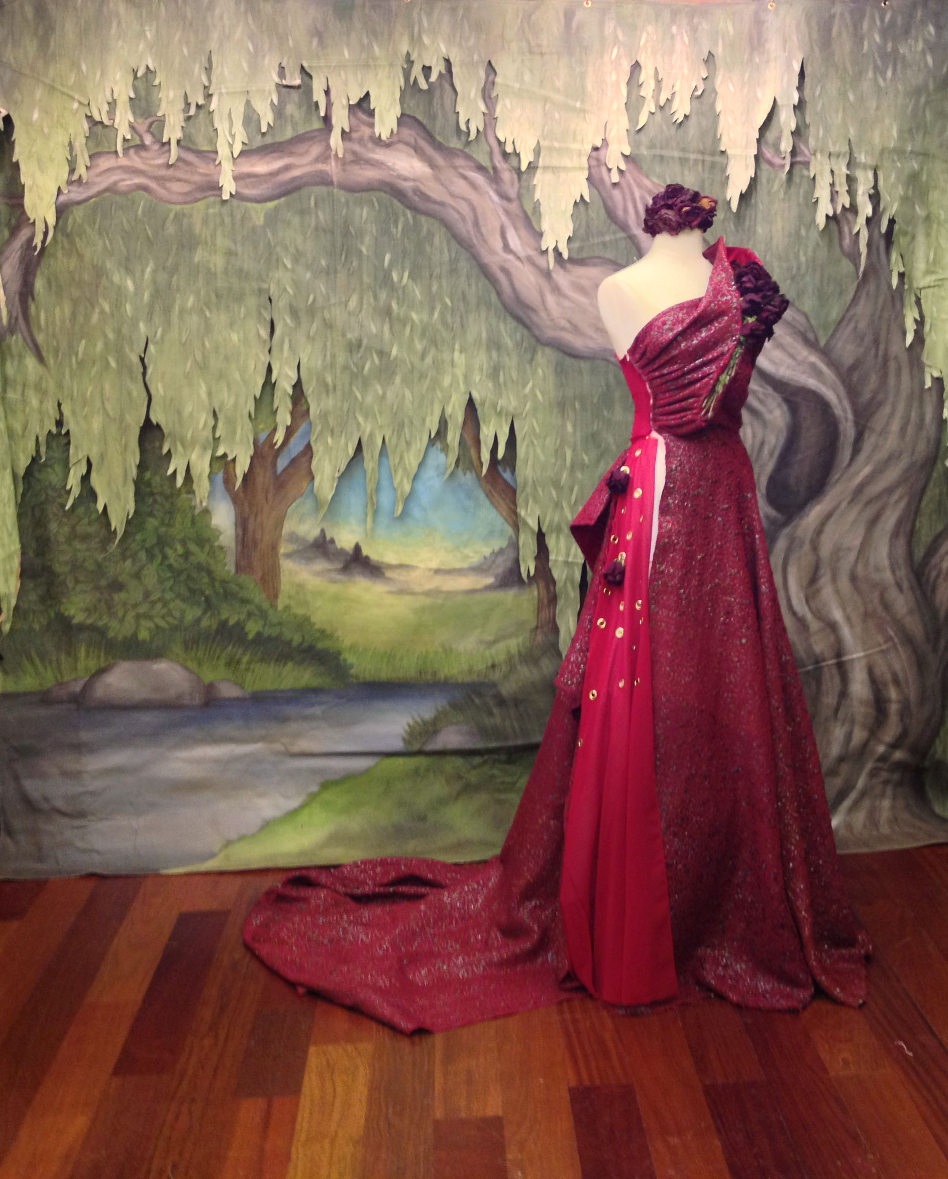 "Timothy Westbrook's ""Alexis Rose"" posed in front of my ""Willow Tree"""