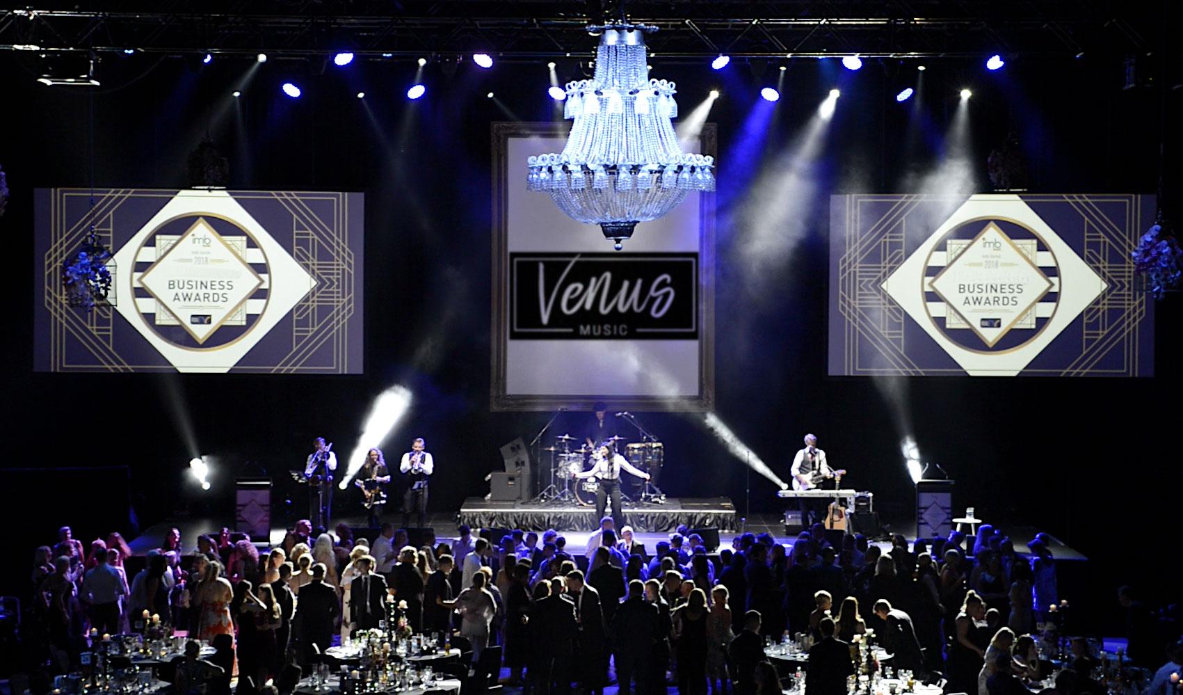 Venus-Band-stage-2.jpg