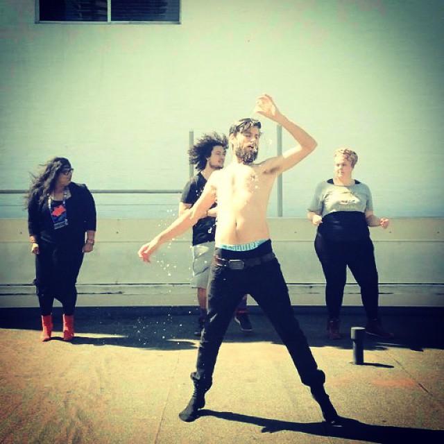 @NGAIIRE BACK UP DANCA'S A GO!