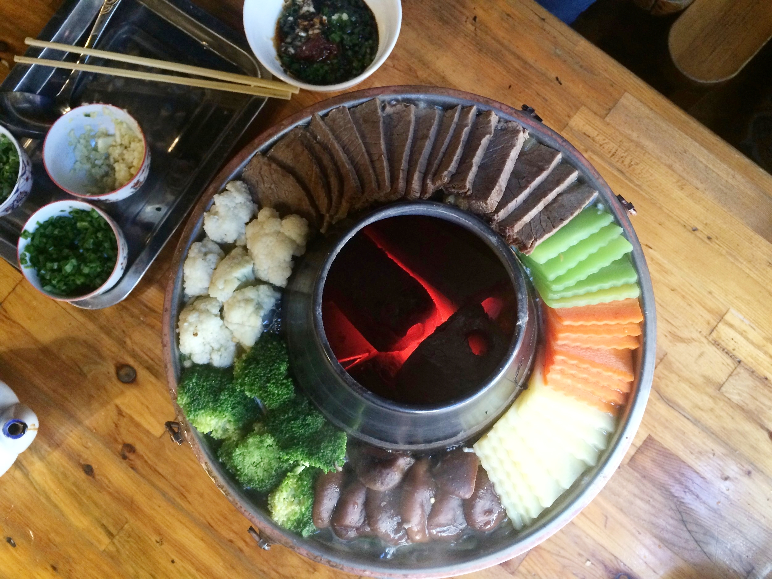 """热玛嘎布餐厅(拉萨市) I 藏式土火锅,当地特色菜,真的很""""特色"""""""