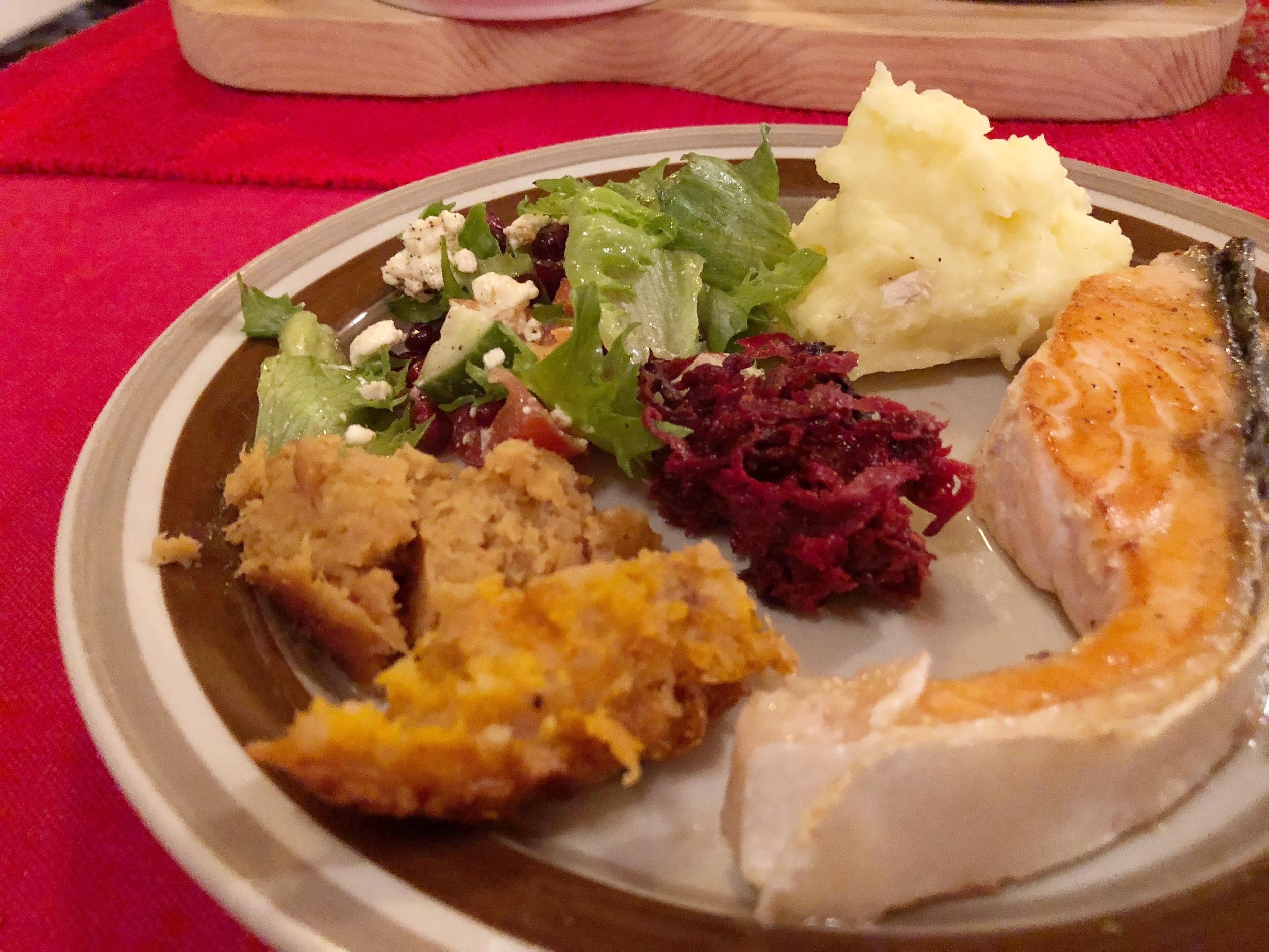我曾经很担心芬兰(或北欧)食物会没什么味道,或不知会是什么味道。要知道,旅行已经无法吃上习惯的口味,即便将就些,还是会感到缺了些什么。没想到,芬兰的食物完全安抚了我的担心!    #当然,也因为 Paula 对烹调有一手!