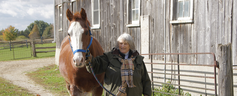 Moondance-equine-facilitated-therapist-Shelley3.jpg
