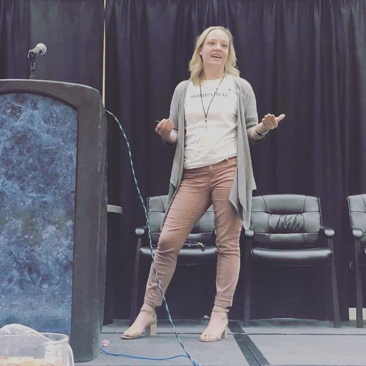 speaking-stage-jessica-hansen.JPG