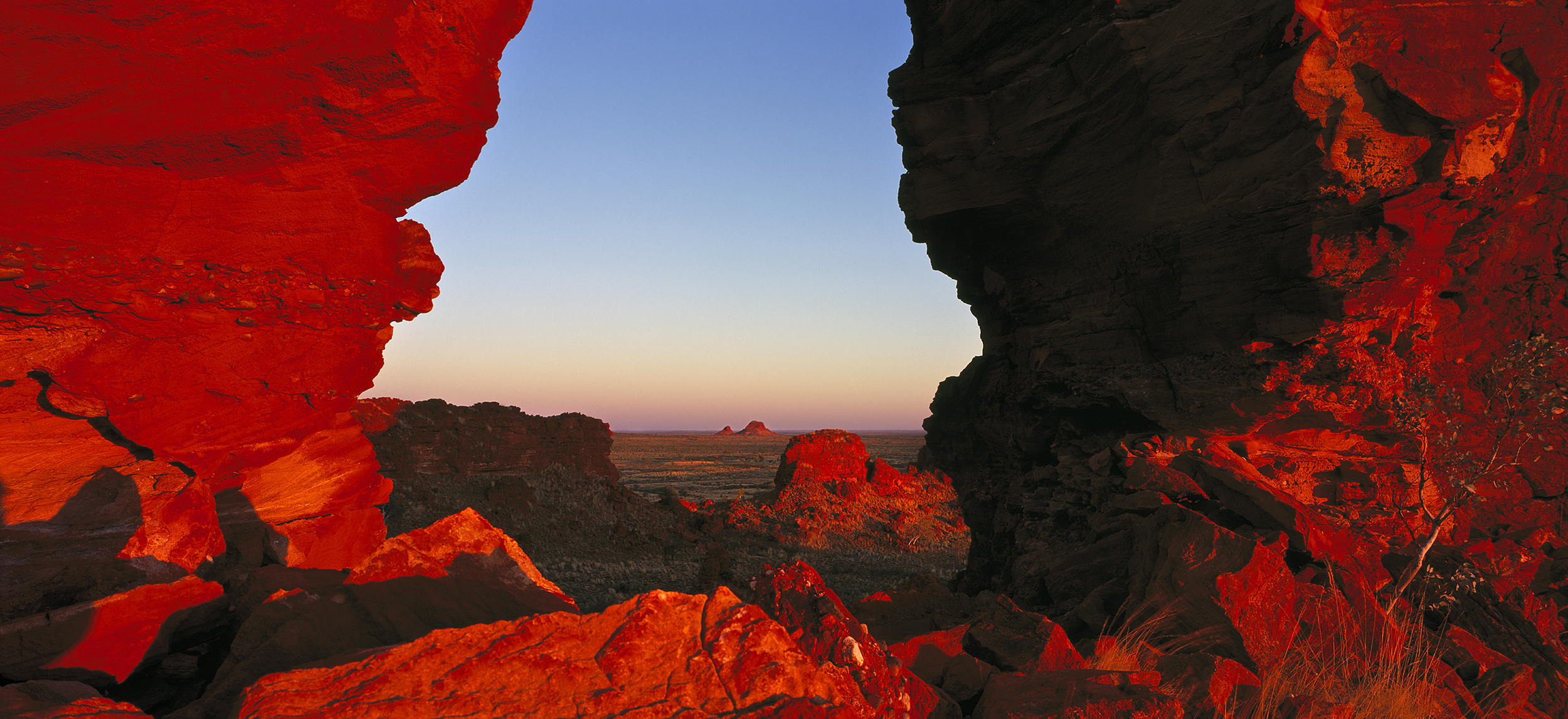 Spectacular Arch, Great Sandy Desert, Pilbara, Western Australia, 2014.  Edition of 3.