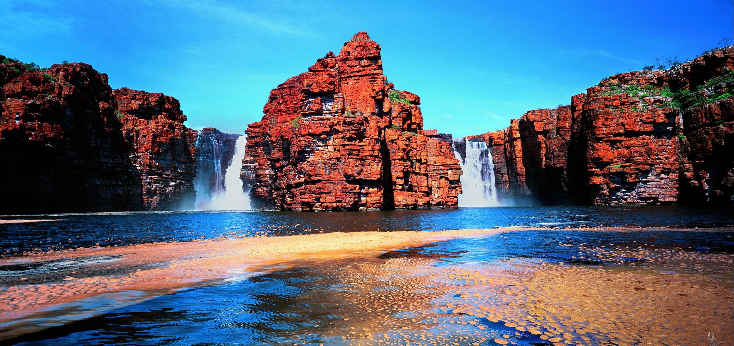 King George Falls, Kimberley, Western Australia, 2005. Edition of 250.