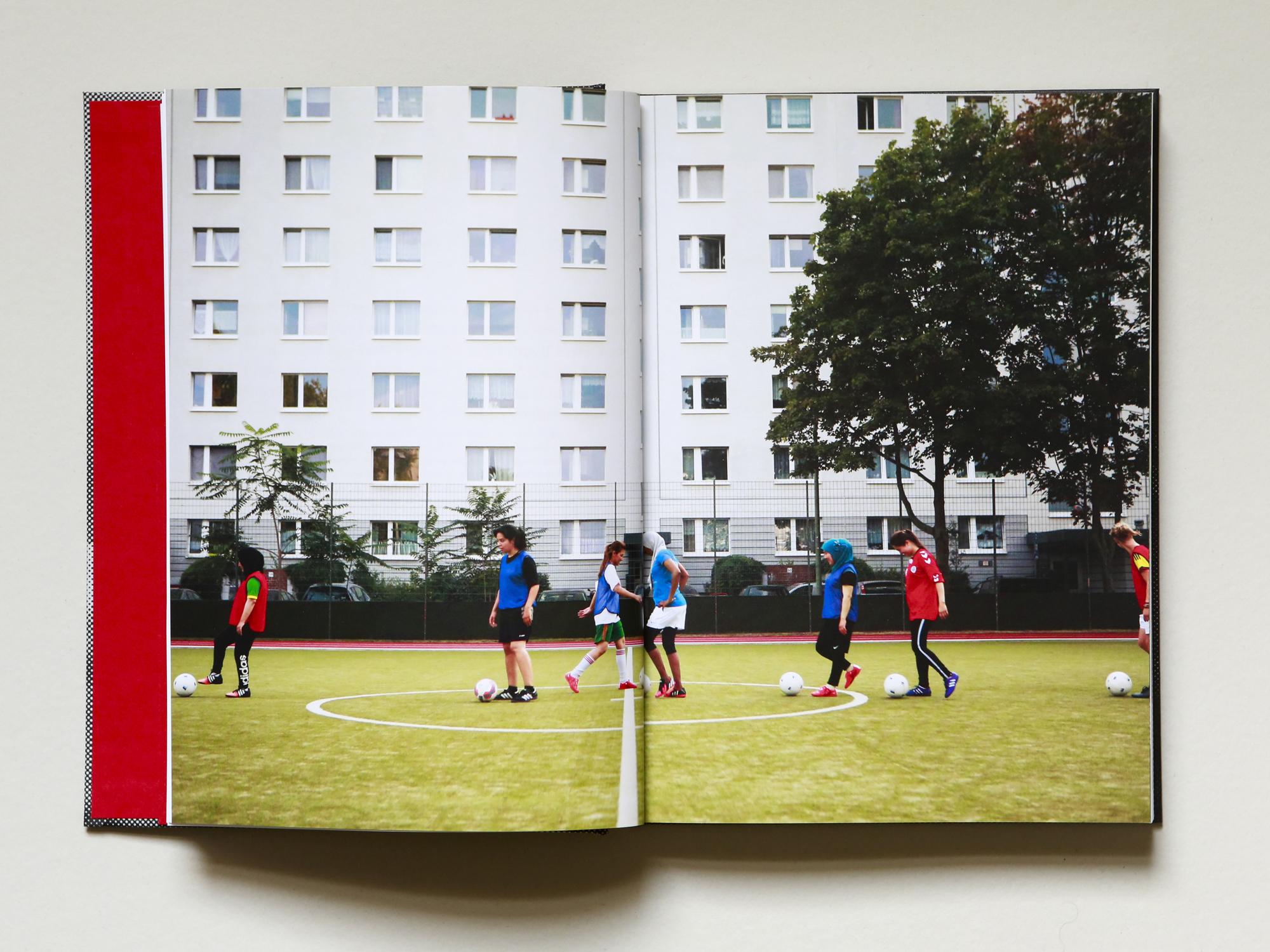 Listen:  Refugee women hit the soccer field in Berlin   Deutsche Welle, Worldlink  Credit: Alexa Vachon