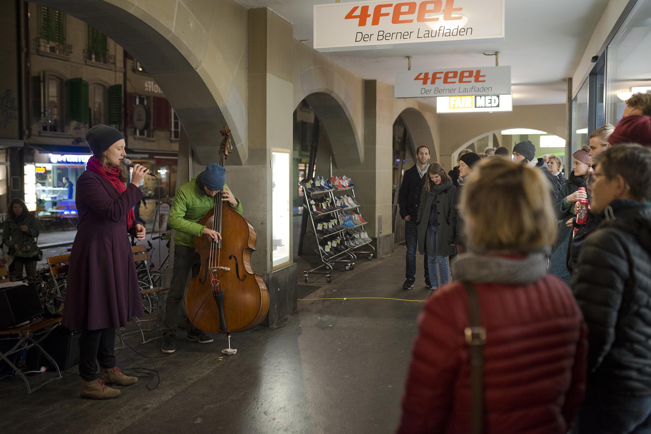 Musikperformance von  Avender , November 2017  www.despinacorazza.ch