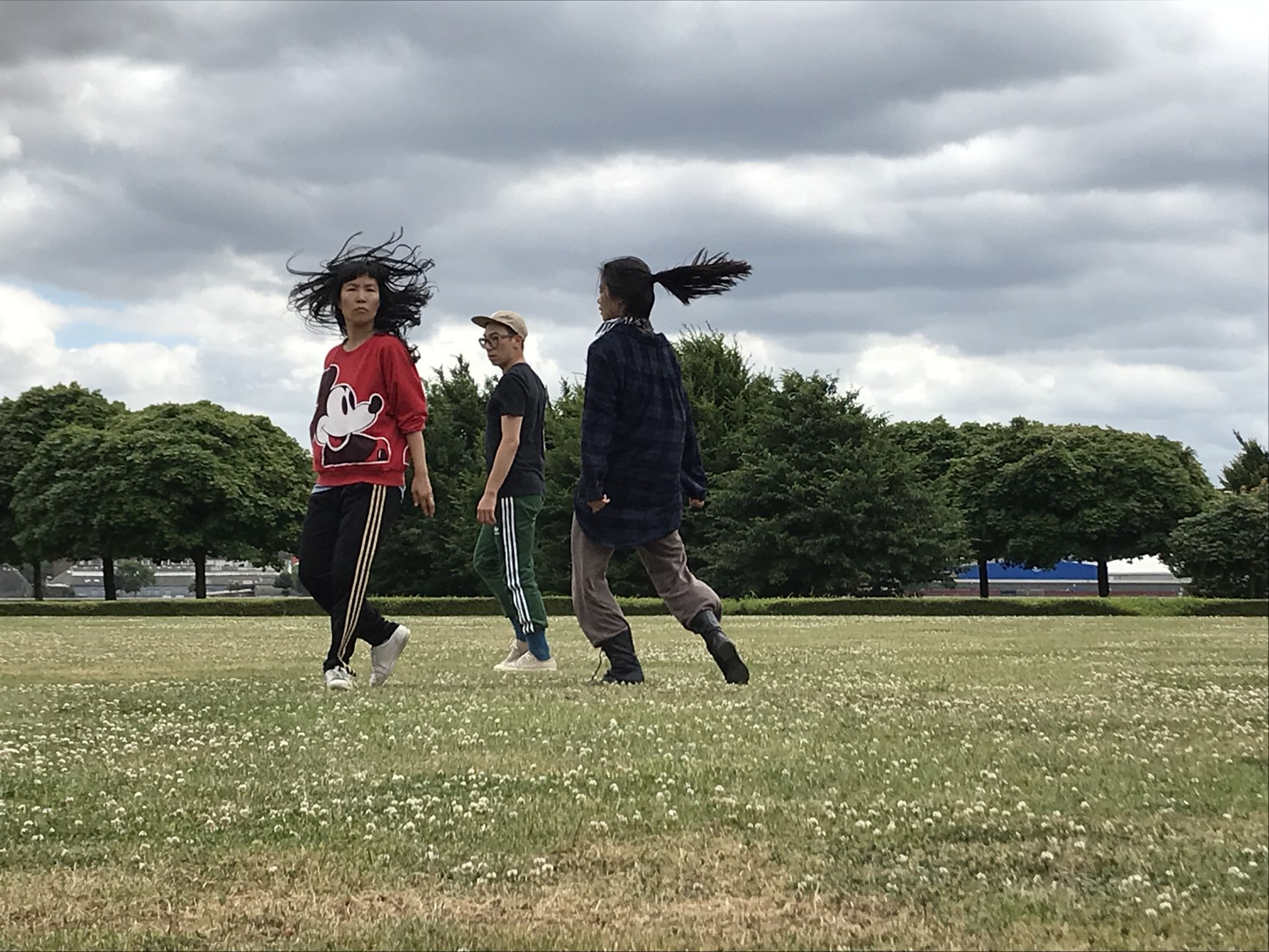 Human Wall research in Roehampton University (July 25th ) with Katie Boag, Haeyeon Lim, francesco migliaccio, Jinhan Choi)