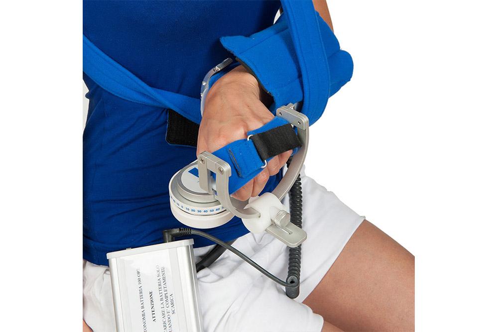 7-Fisionoleggio-noleggio-attrezzature-sanitarie-kinetec-polso.jpg