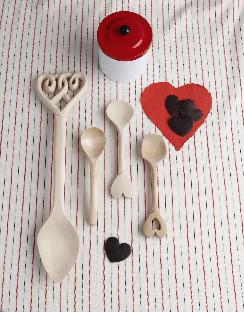 spoons_table_heart_lo.jpg