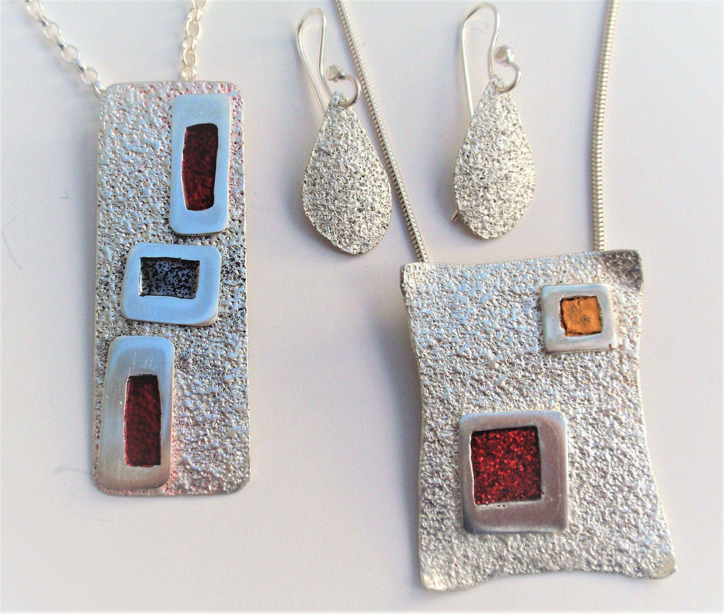 sandy ball website - rectangle necklace.JPG