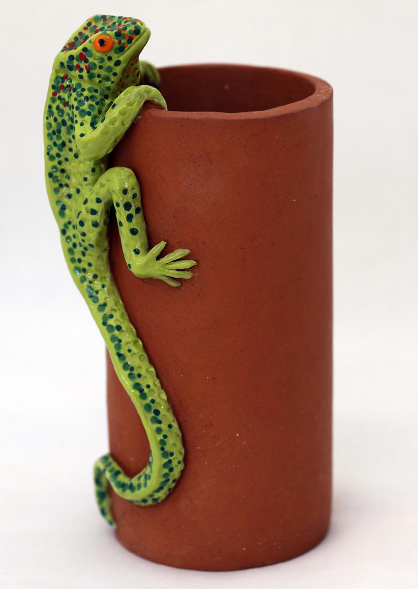 christine norris - website green lizard kitchen utensil pot.JPG