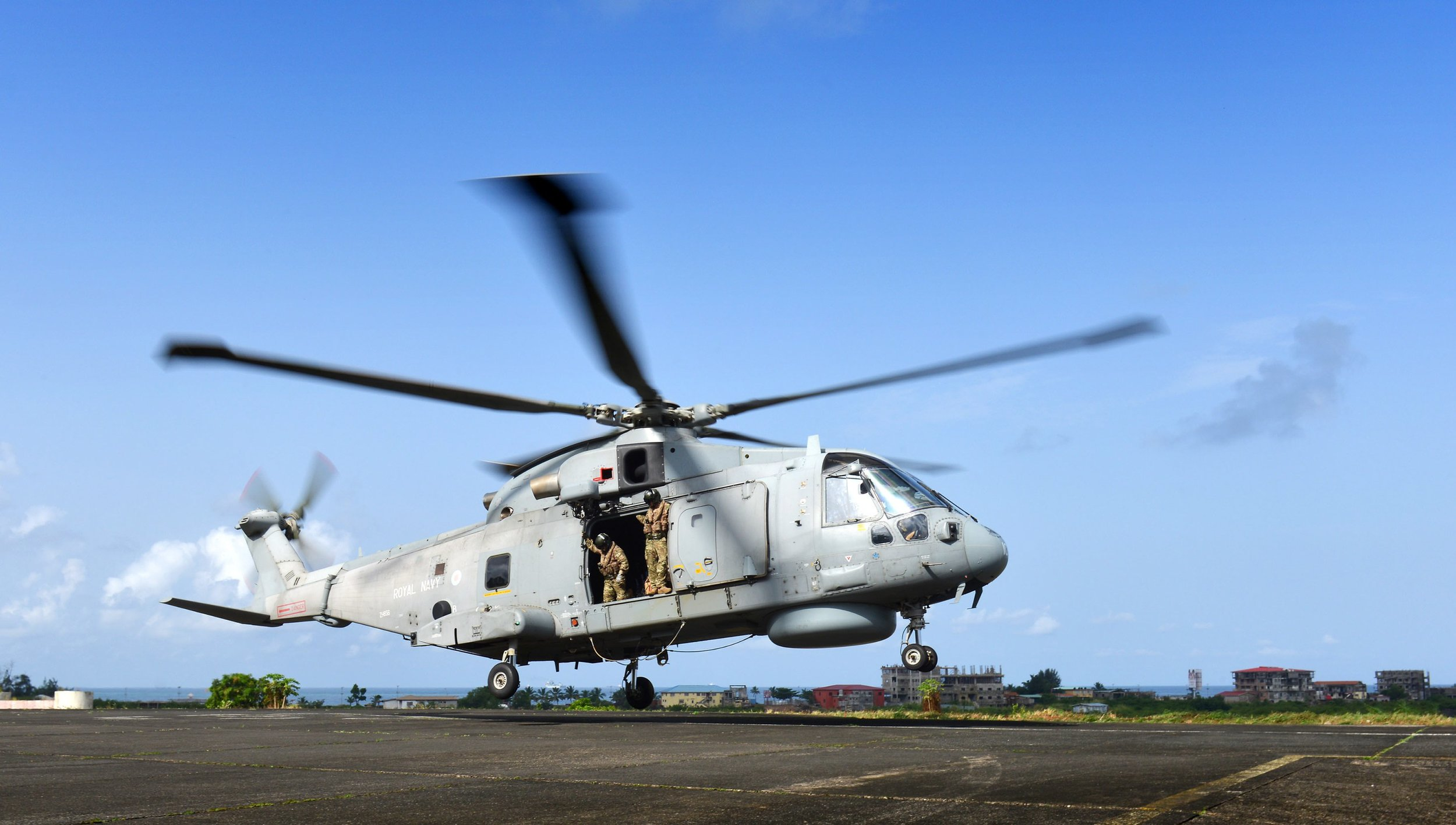 Engineers rewarded for preventing damage to Navy helicopters during Ebola mission.jpg