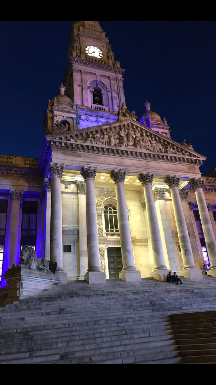 Portsmouth Guildhall lights.png