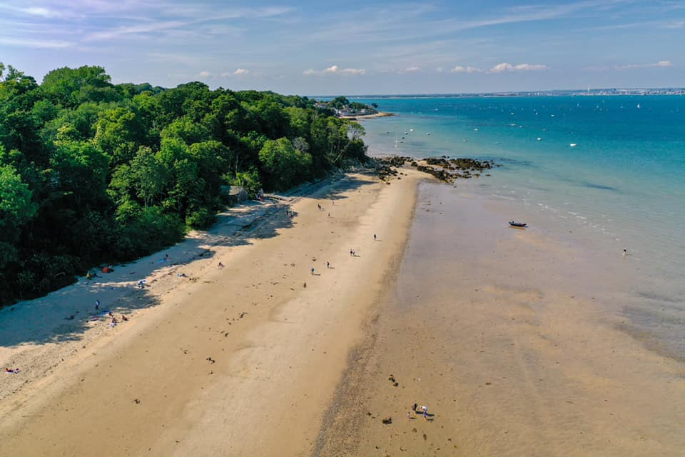 Best beach spots in Portsmouth and the surrounding coast. Priory Bay.