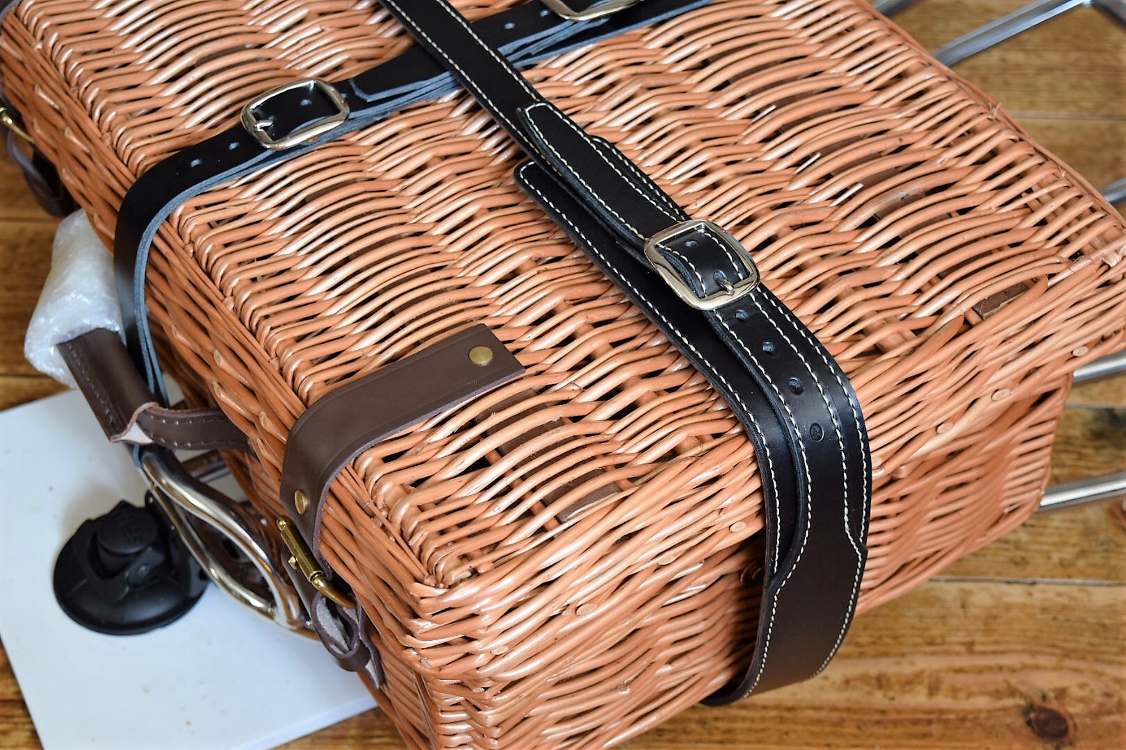 picnic basket strap for morgan 3 wheelers