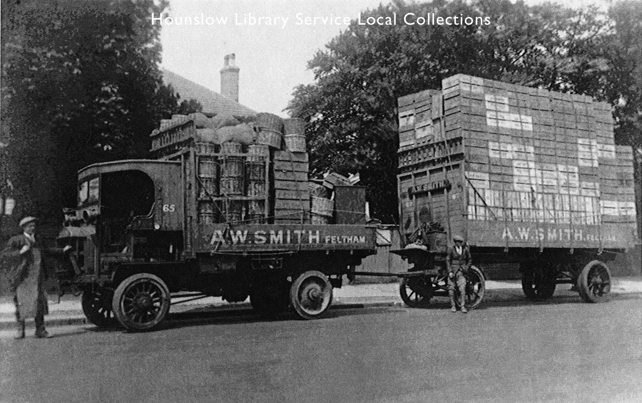 AW-Smith's-steam-lorry-and-trailer-(1).jpg