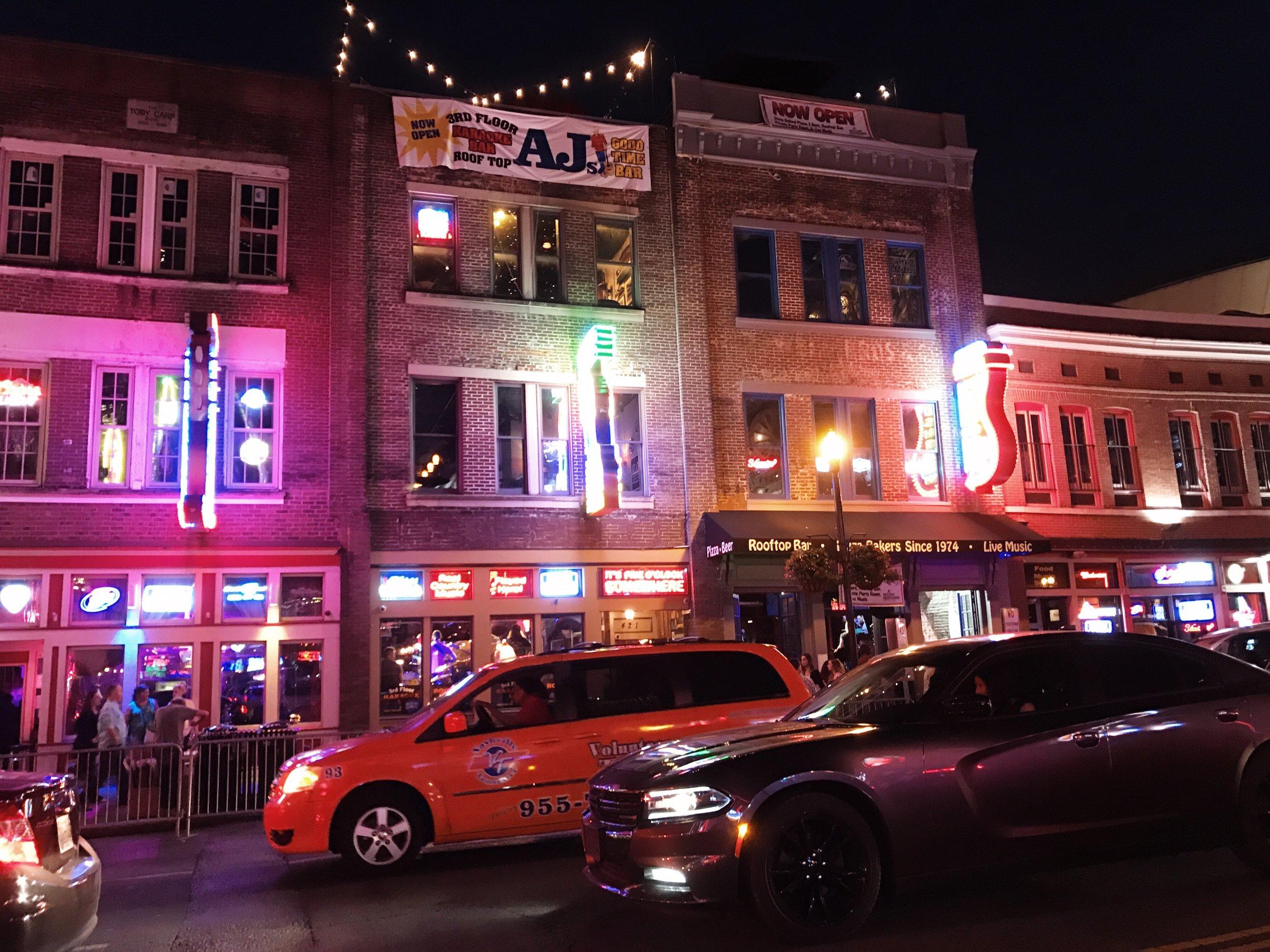 Nashville Travel Guide Broadway