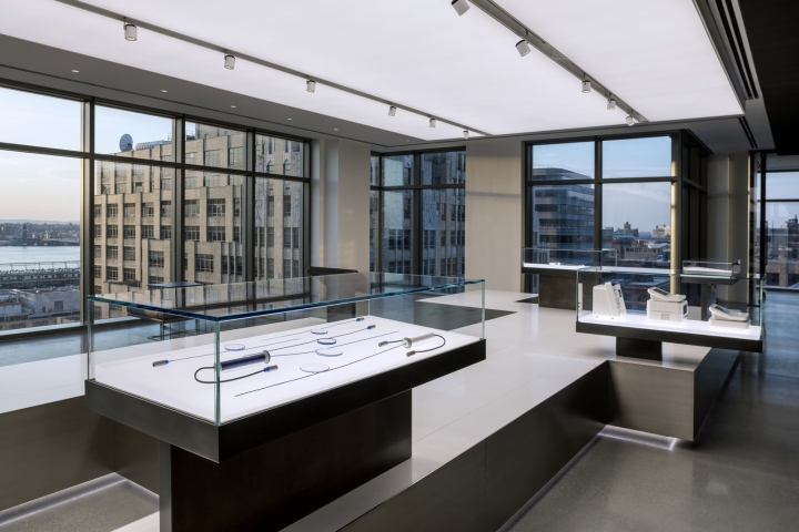 Biotronik-offices-by-Ted-Moudis-Associates-New-York-City-09.jpg