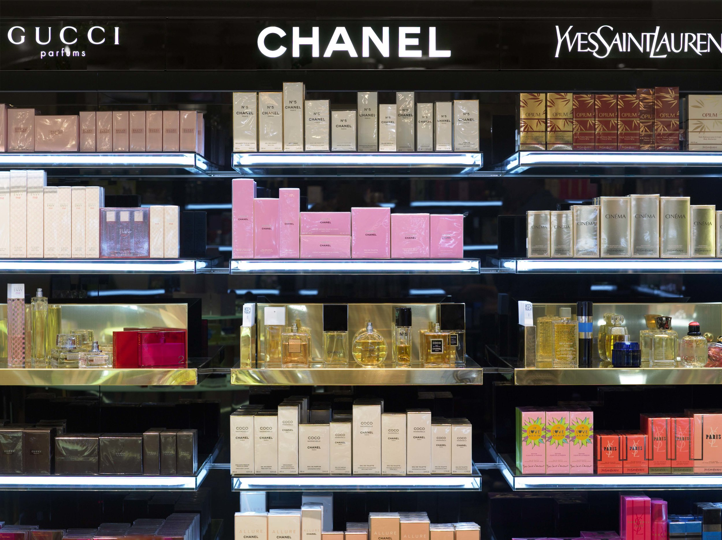 NK Doftrum  / Assignment at Strategisk Arkitektur / Project: Perfume department store / Role in project: Retail architect