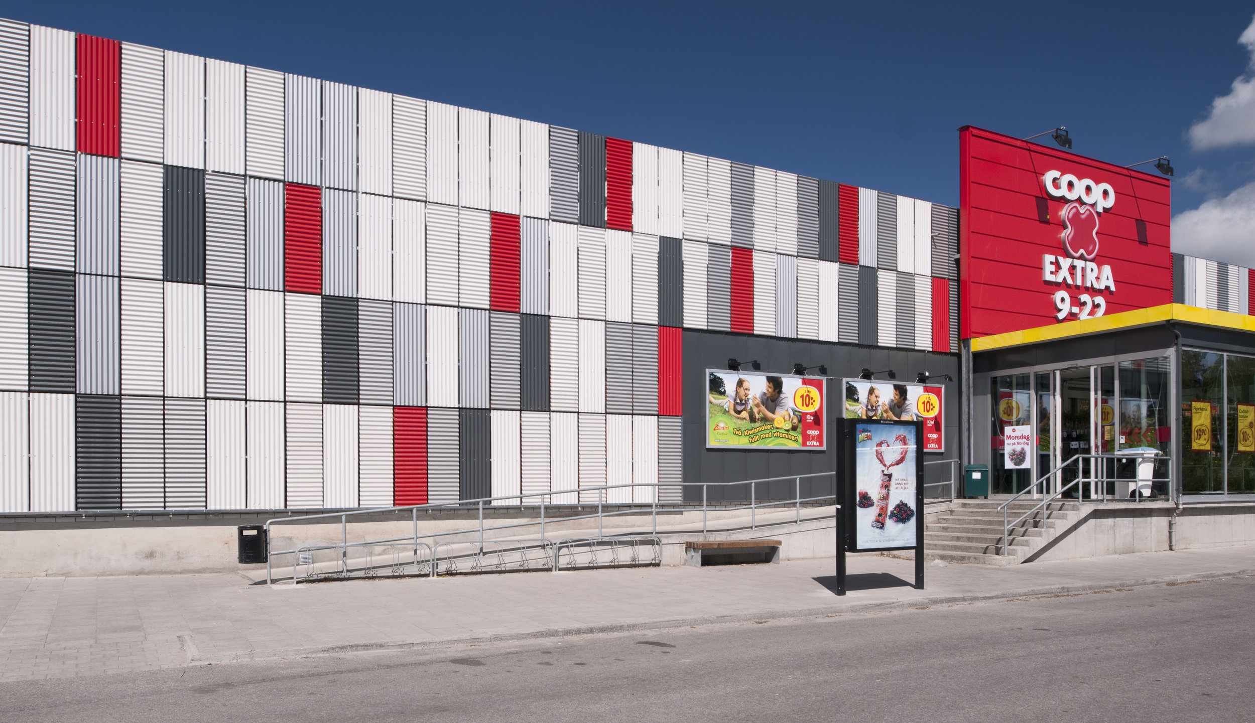 KF Fastigheter  / Assignment at BLINK / Project: Coop Extra facade concept / Role in project: Creative Director / Photos by BLINK
