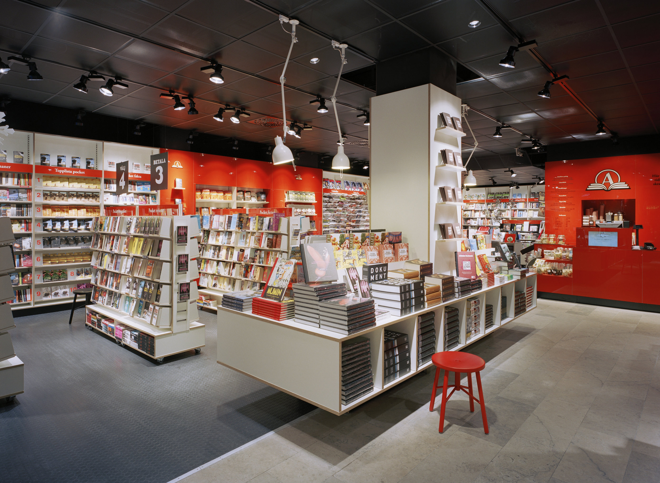 Akademibokhandeln Etc  / Assignment at BLINK / Projects: Retail concept / Role in projects: Creative direction and implementation  Photo by BLINK