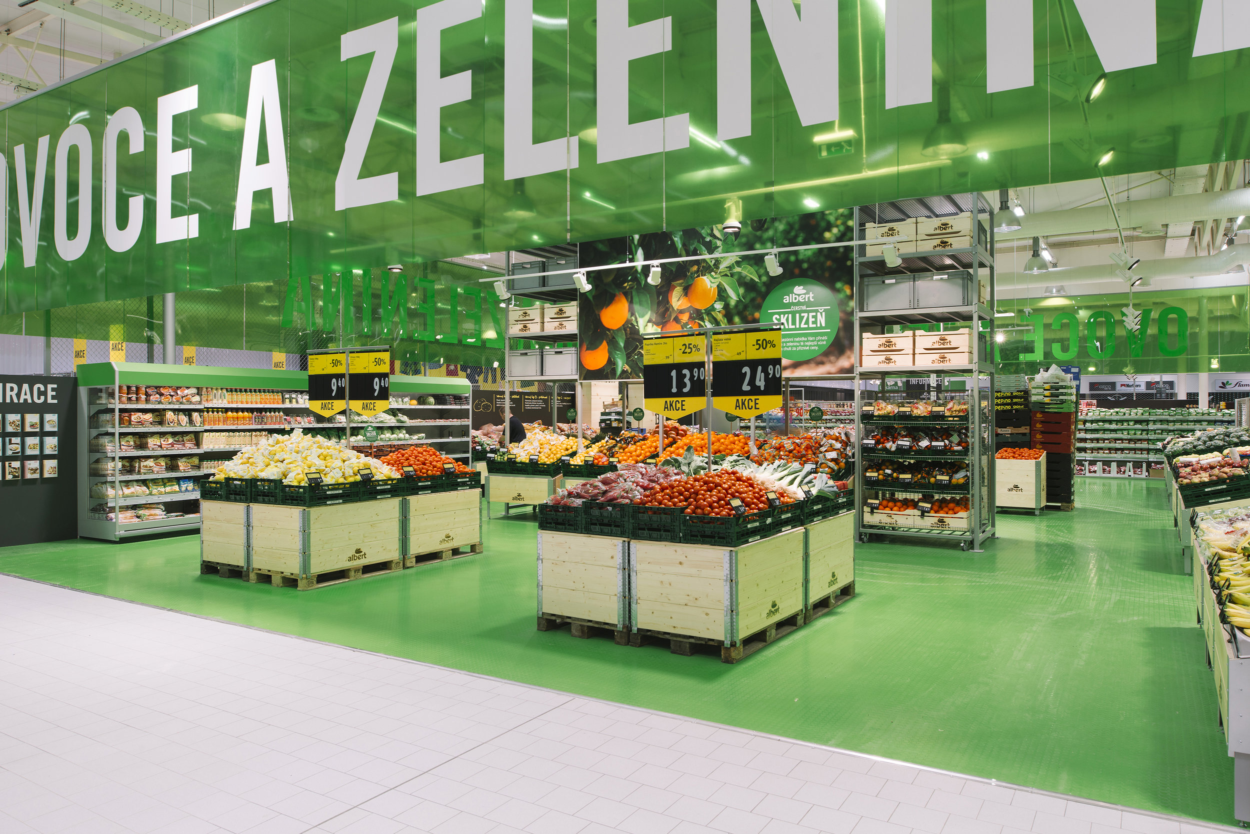 Albert (Czech Republic)  / Assignment at BLINK / Projects: Hypermarket, Supermarket and packaging concept / Role in projects: Creative direction and implementation  Photos by BLINK