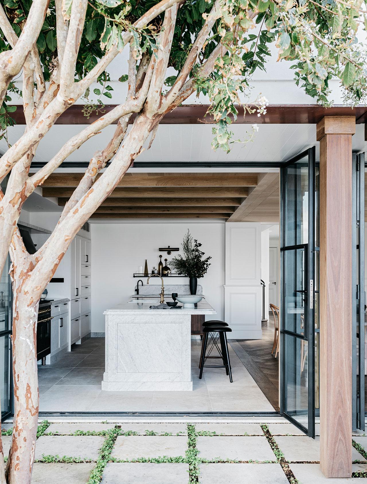alexander-and-co-palm-beach-house-sydney-australia-2.jpg